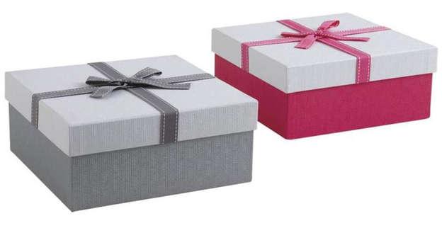 Lot de 2 Boites cadeau carrées en carton avec noeud. Coloris assortis. : Boites